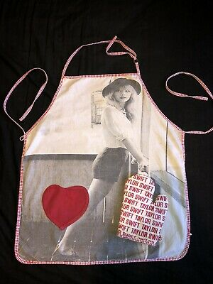 Taylor Swift - Official RED Era Apron + Oven Glove Set (Rare) Out Of Stock Merch • 20£