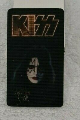 Kiss Lenticular Photo 65mm X 37mm - Tilting Moves Through Band Members Faces • 1.99£