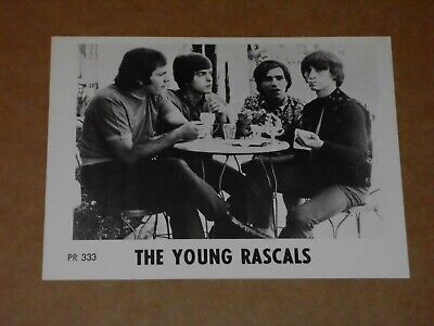 Young Rascals 1968 Atlantic Appreciation Society Photocard • 8£