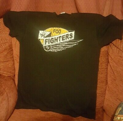 Foo Fighters 2011 Tour T Shirt • 12£