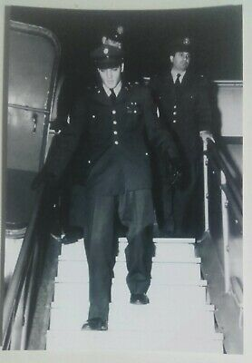 Elvis Presley 10 Pics With The Usa Army In Prestwick Airport In Scotland In 1960 • 5£
