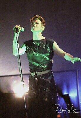 DAVID BOWIE In Concert 1995 ~ 50 Rare PHOTOS! 'Outside' Tour, Wembley.  • 12.95£