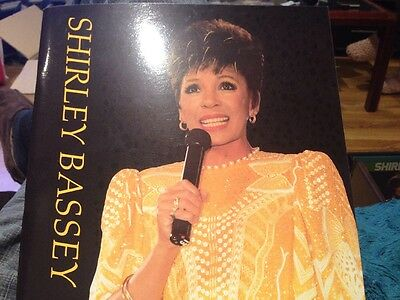 Shirley Bassey Mega Rare Tour Programme From Her 1986 World Tour • 4.99£