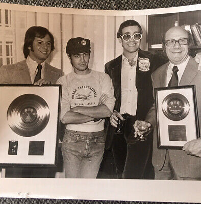 Elton John, Bernie Taupin + Others -  Rocket Man  Presentation Press Photo 1973  • 7£