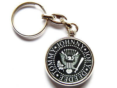 THE RAMONES American Punk Rock Band Chrome Keyring Picture Both Sides • 5.49£