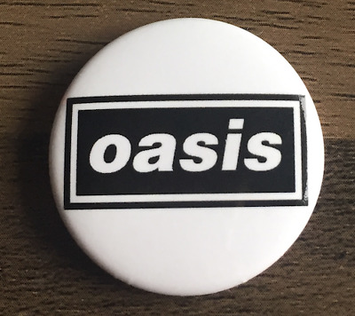 OASIS BUTTON BADGE English Indie Rock Band  NOEL & LIAM GALLAGHER  25MM PIN • 2.25£