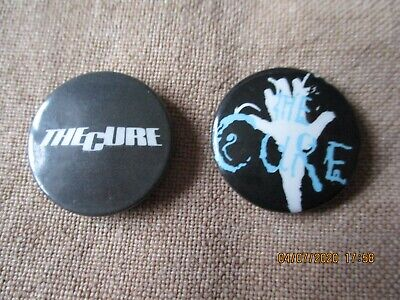 2 Vintage The Cure  Badges • 1.49£