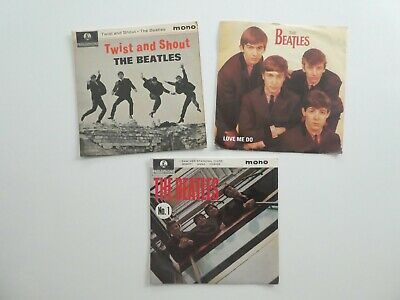 3 X 7 Inch Records - The Beatles - No 1 [EP], Twist And Shout [EP] & Love Me Do • 5£
