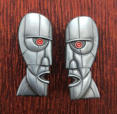 Pink Floyd Official ~ Division Bell Heads ~ Pin / Badges( Pair Left & Right ) 2 • 40£