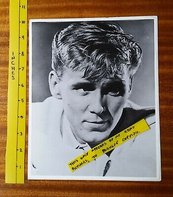 BILLY FURY   OLD B&W  PHOTO 10  X 8      ROCK & ROLL   Very Good Condition  • 2£