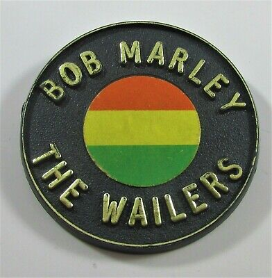 BOB MARLEY & THE WAILERS LARGE VINTAGE PLASTIC PIN BADGE FROM THE 1970's BANBURY • 24.99£