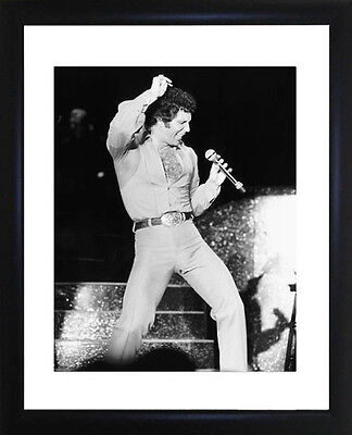 Tom Jones Framed Photo CP1245 • 13£