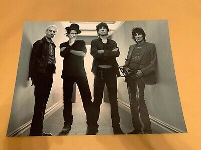 ROLLING  STONES  -  SIGNED   RONNIE WOOD BW PHOTO  16x12 Inch   -  UACC  RD • 45.99£