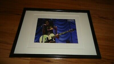 AMY WINEHOUSE(circa 2007)-framed Picture • 11.99£