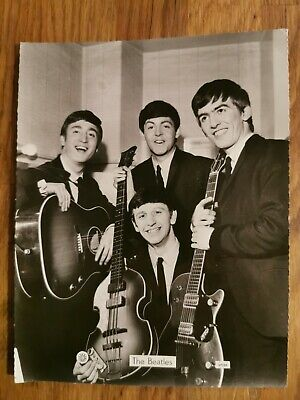 Official Beatles 1964 Promotional Photo.  • 10£