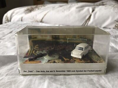 U2 Achtung Baby Ultra Rare Berlin Wall Fragment & Trabant Promo Presentation • 125£