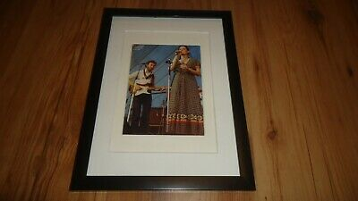 RICHARD AND LINDA THOMPSON(circa 1975)-framed Picture • 11.99£