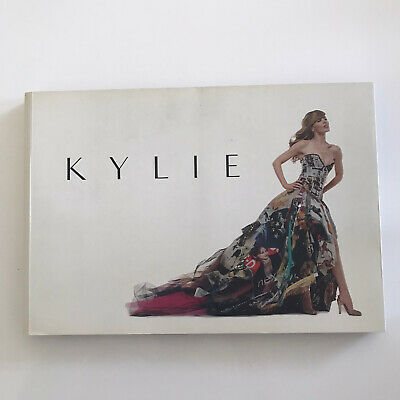 KYLIE MINOGUE - Show Catalogue For Kylie @ V&A Exhibition London. Used • 10.50£