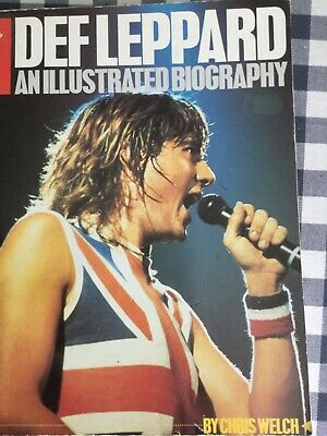 DEF LEPPARD: An Illustrated Biography - Chris Welch (softback) • 20£