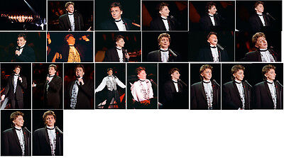 23 Barry Manilow Colour Concert Photographs - Bournemouth 1993 • 6.89£