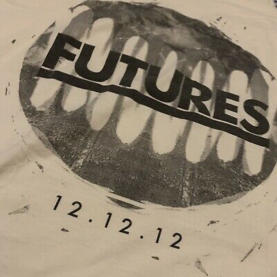 Vintage FUTURES T-Shirt Small (LAST EVER SHOW 12.12.12) • 10£