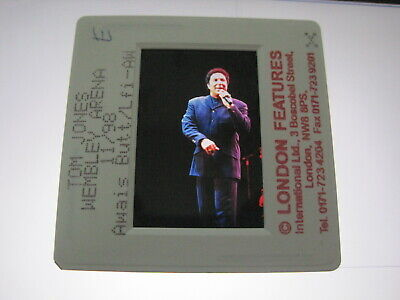 TOM JONES  35mm Promo Press Photo Slide #3714 • 4.99£