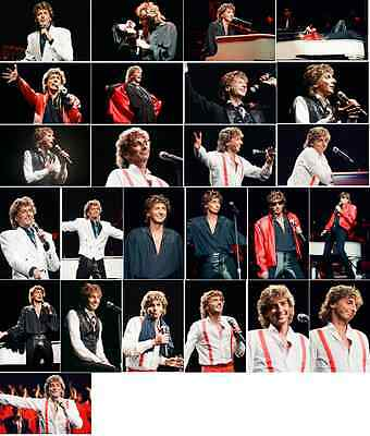 25 Barry Manilow Colour Concert Photographs - Wembley 20th November 1984  • 7.49£