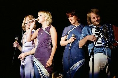 12 *8  Concert Photo Of ABBA Playing At Wembley In 1979 • 3.99£