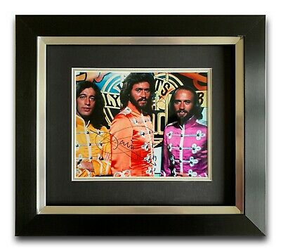 Barry Gibb Hand Signed Framed Photo Display - Bee Gees - Music Autograph. • 199.99£