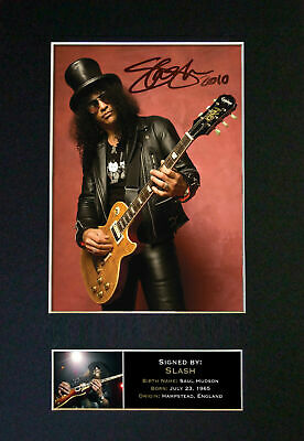 SLASH (GUNS N ROSES) - Autographed / Signed And Mounted Photograph ⭐⭐⭐⭐⭐ • 24.95£