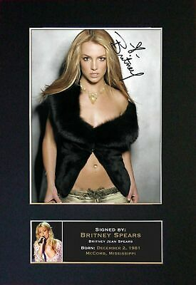 BRITNEY SPEARS - Autographed / Signed And Mounted Photograph ⭐⭐⭐⭐⭐ • 24.95£