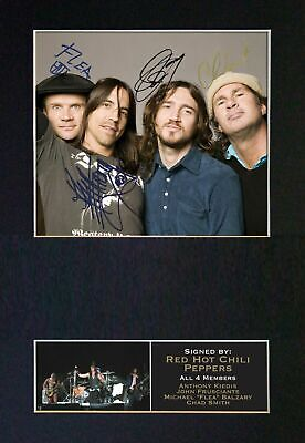 RED HOT CHILI PEPPERS - Autographed / Signed And Mounted Photograph ⭐⭐⭐⭐⭐ • 24.95£