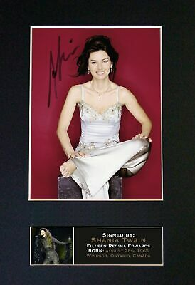 SHANIA TWAIN - Autographed / Signed And Mounted Photograph ⭐⭐⭐⭐⭐ • 19.95£