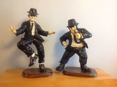 24 & 21  Blues Brothers Figures-statues • 150£