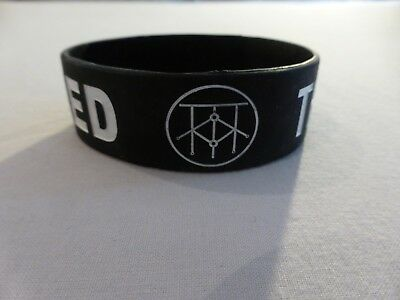 THE ONE HUNDRED - Rare Official Rubberised Wristband - NEW • 0.99£