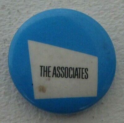 THE ASSOCIATES 25mm Pin Badge Early 1980's Badge • 0.99£