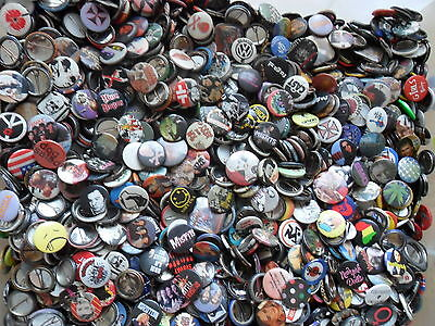 WHOLESALE JOB LOT 1  Badges X 100 Pop/ Rock, Emo, Vintage, 90's, Slogan, 2000's • 18.99£