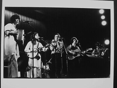 McGarrigle Sisters / On Stage - Original 1970's Press Agency Photo 10  X 8   • 7.99£