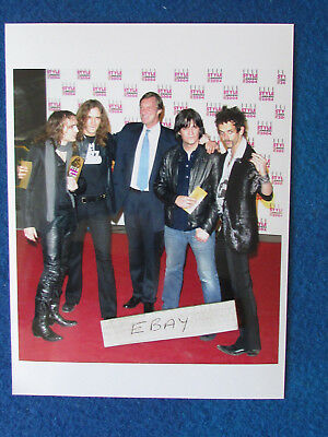 Original Press Photo - 8 X6  - The Darkness - 2004 - With Lord Brocket • 5.99£