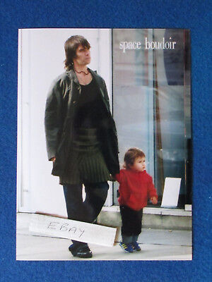 Original Press Photo - 8 X6  - The Stone Roses - Ian Brown & Son - 2001 - B • 9.99£