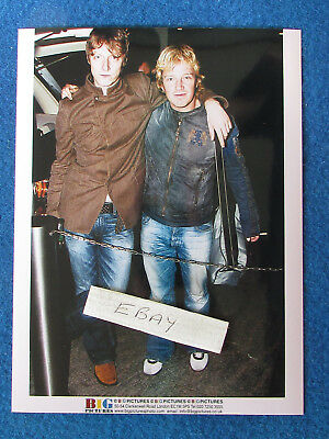 Original Press Photo - 8 X6  - TRAVIS - 2002 - D • 5.99£