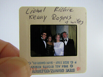 Original Press Photo Slide Negative - Lionel Richie & Kenny Rogers & Wives -1984 • 25.99£