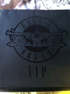 GUNS N ROSES Very Limited VIP  2017 Commemorative Pick/Pass/Pin/Ticket Tour Book • 306.66£