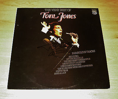 Tom Jones SIGNED 12' Vinyl  The Best Of  Genuine Authentic AUTOGRAPH + COA • 139.99£