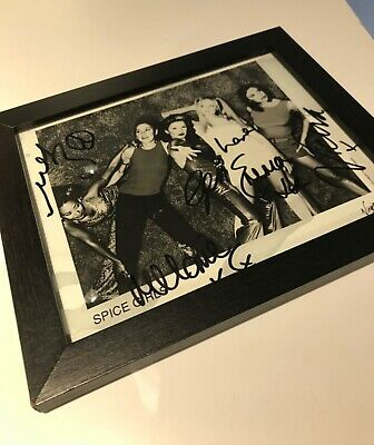 Spice Girls Signed Photograph • 300£