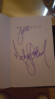 Signed Michael Jackson Book  • 38£