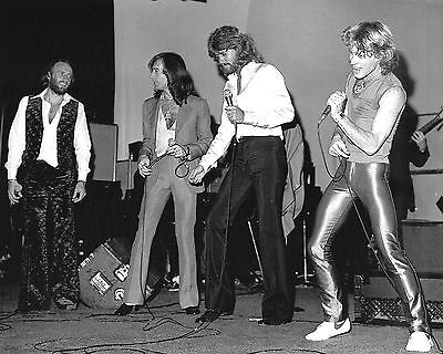 Andy Gibb / Bee Gees 10  X 8  Photograph No 7 • 3.50£