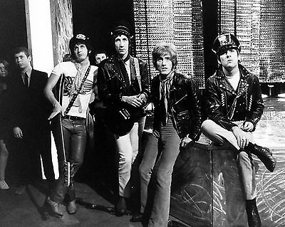 The Who 10  X 8  Photograph No 49 • 3.50£