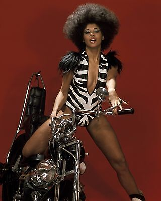 Betty Davis 10  X 8  Photograph No 1 • 3.50£