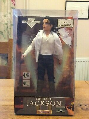 Michael Jackson Doll In Box Singing  Black Or White  • 9.99£
